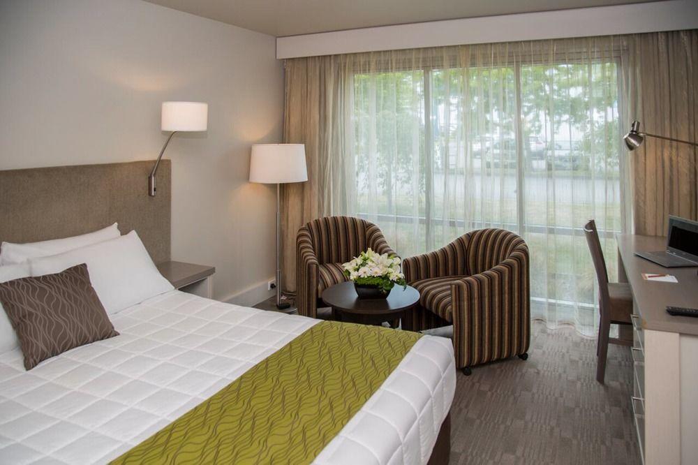 Pinnacle Hotel Room Rates